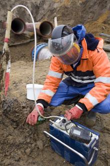 Évaluation environnementale de site et remise en état. Évalue les responsabilités environnementales des sites dans des zones industrielles, commerciales, résidentielles et isolées.