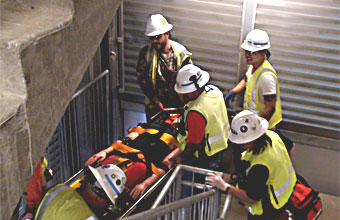 خدمات الاستجابة للحالات الطارئة في العمليات الخطيرة. أنظمة هواء التنفس والكشف عن الغازات ومراقبتها والتخطيط للحوادث غير المتوقعة.
