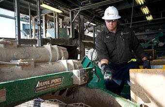 خدمات الكشف عن الغازات ومراقبتها للحالات الطارئة والإعداد لدورات تالية وإيقاف العمل والدخول للأماكن الضيقة.