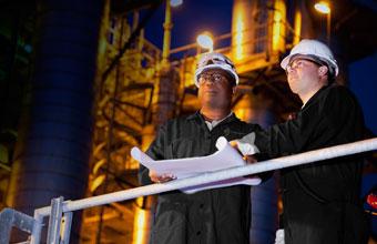 Personnel ESS (environnement, santé et sécurité). Les services comprennent la gestion des données, la conception et l'installation, l'hygiène industrielle, l'évaluation du site, un témoin expert et plus.