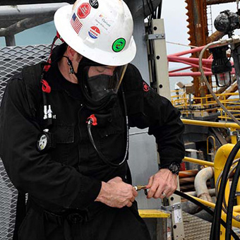 Fest installierte Atemluftsysteme bieten die ideale Umgebung für eine große Anzahl an Mitarbeitern an einem festen Ort.