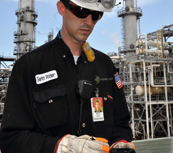 تدير تقنيات Smart Inspections عمليات الفحص الدورية إلكترونيًا. إدخال بيانات لمرة واحدة وتقارير إلكترونية. سجلات للمراجعة.